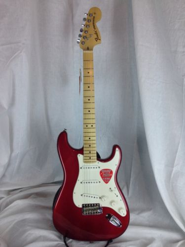 Fender® American Special Stratocaster® Candy Apple Red